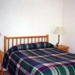 Lakelodge Queen Bedroom